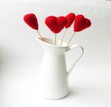 Crochet hearts, by MaesBoutiqueCrochet on etsy.com