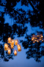 Mason jar chandeliers (via rusticweddingchic.com)