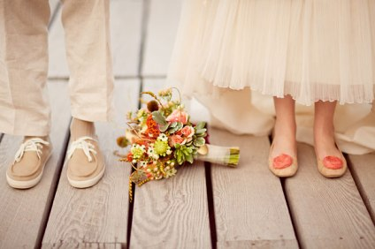 Peaches and cream wedding (via weddingchicks.com)