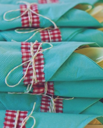 serviettes (via marthastewartweddings.com)