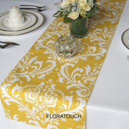 table runner, by FloraTouch on etsy.com