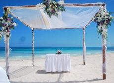 Beach ceremony set-up 2