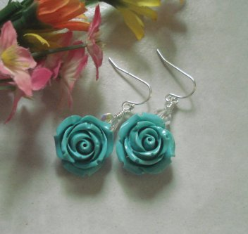 Earrings, by SunVDesigns on etsy.com