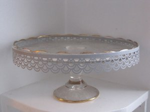 Cake stand, by AnnasFabulousThings on etsy.com
