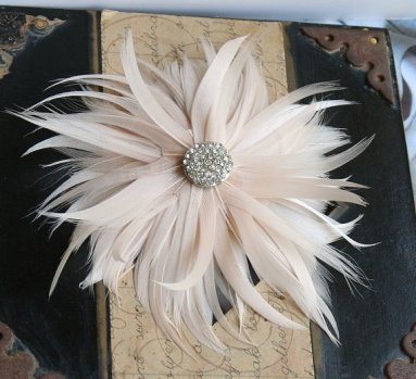 Fascinator, by FancieStrands on etsy.com