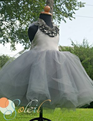 Flower girl dress, by SCbydesign on etsy.com