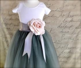 Flower girl tutu skirt, by TutusChicBoutique on etsy.com