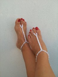 Foot jewellery for a beach wedding, by ArtofAccessory on etsy.com