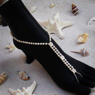 Foot jewellery for a beach wedding, by VitalBridal on etsy.com