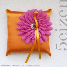 Ring pillow, by 5eizen on etsy.com