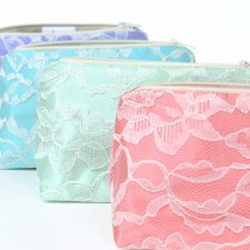 Cosmetic bags - good gift for bridesmaids - by JordaniSarreal on etsy.com