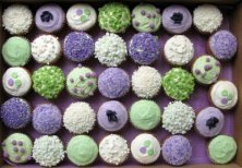 Cupcakes in lilac and green