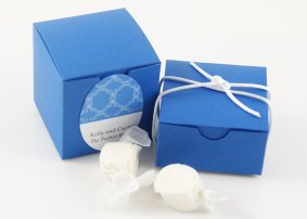 Favour boxes, by WeddingAmbience on etsy.com