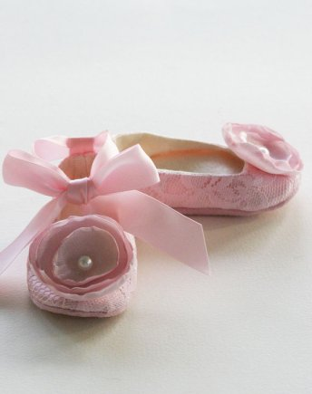 Flower girl ballet slippers (available in 14 colours), by BabySouls on etsy.com