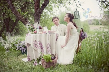 Garden wedding setting, via The Natural Wedding Company blog