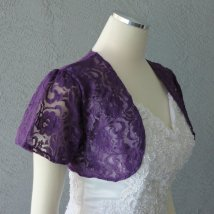 Lace bolero, by Chuletindesigns on etsy.com