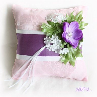 Ringbearer pillow, by Sysimust on etsy.com