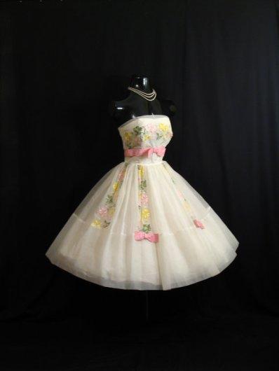 Vintage 1950s wedding dress, by VintageVortex on etsy.com