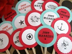 Cupcake toppers, by LollipopsAndPussycat on etsy.com