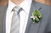 An idea for how the groom could look