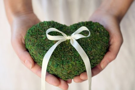 Moss ring pillow, by VVDesignsShop on etsy.com