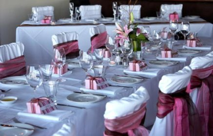A burgundy and pink reception