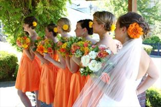 A citrus wedding colour scheme