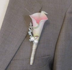 Boutonniere, by justanns on etsy.com