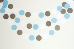 Circle garland, by PassTheScissorsShop on etsy.com
