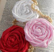 Fabric flower hairclips, by YoYoCottage on etsy.com