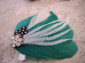 Fascinator, by TheFeatheredEdge on etsy.com