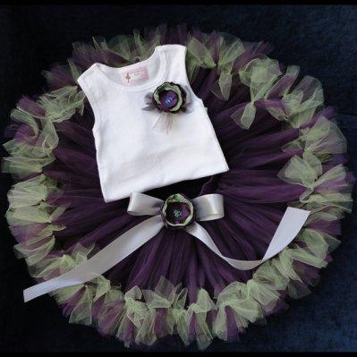 Flower girl tutu, by StrawberrieRose on etsy.com