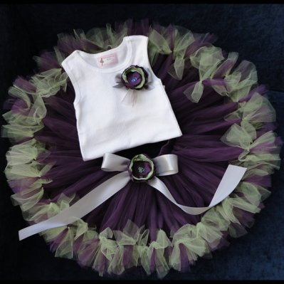 Flower girl tutu, by StrawberrieRose on etsy.com