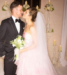 Jessica Biel wore a pale pink wedding dress for her marriage to Justin Timberlake