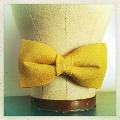 Linen bow tie, by RachelLarraine on etsy.com