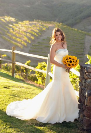 Nikki Reed had a bouquet of sunflowers for her wedding day (the fact that her Tacori dress cost $1 million probably puts it outside most people's budgets!)