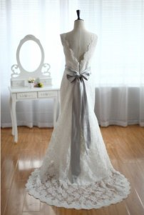 Sample vintage-style dress on sale - US$279, by wonderxue on etsy.com