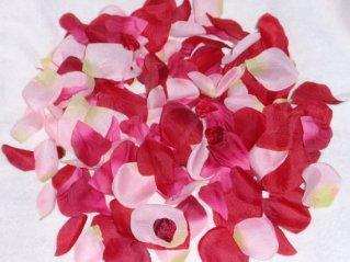 Silk rose petals, by superbuy4j on etsy.com