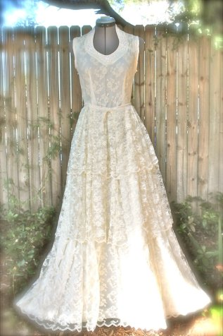 Wedding dress - US$390, by amandarosebridal on etsy.com