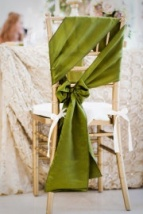 An alternative way to tie chair sashes