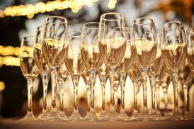Champagne in flutes (naturally!)