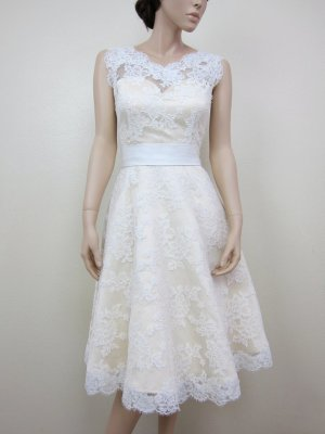 Knee-length wedding dress, by alexbridal on etsy.com