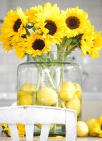 Lemon and sunflower centrepiece