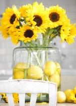Lemon and sunflower centrepiece