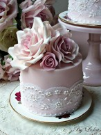 Wedding cake in mauve