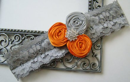 Garter, by BellaDivaCouture on etsy.com