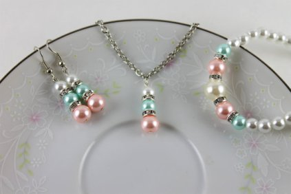 Bridesmaids jewellery set, by BlackStarProjects on etsy.com