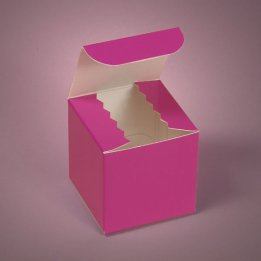 Favour boxes, by Parischick on etsy.com