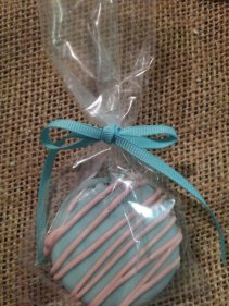Frosted Oreo cookie wedding favours, by SugarMamasChocolates on etsy.com