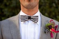 Striped bow-tie